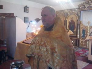 наш настоятель-иеромонах Иннокентий